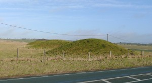Burial mound close to the Avesbury and Stonehenge megalithic complexes. (image credit